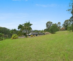 2,611 sqm of land - house for lease